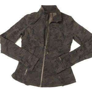 Lululemon black camo forme jacket 8